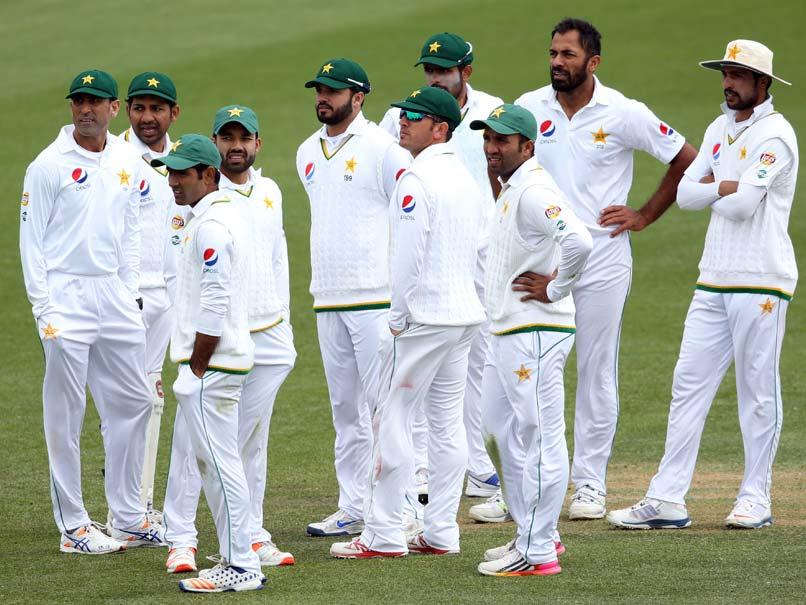 आईपीएल छोड़ पकिस्तान-इंग्लैंड का टेस्ट मैच देखने पहुंचा था बॉलीवुड का यह दिग्गज अभिनेता