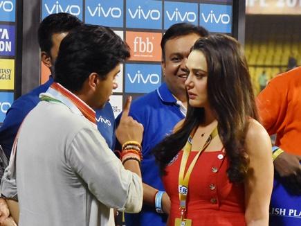 IPL 2018 में भी दिखा राजनितिक रंग, एक नेता ने तो टीम के खराब प्रदर्शन पर सरेआम दिखाया गुस्सा 14
