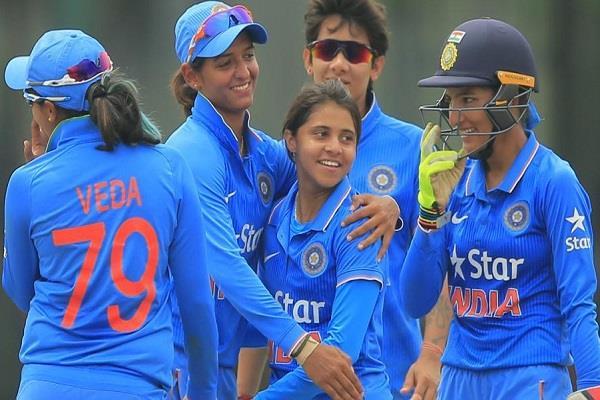 महिला एशिया कपः  भारत ने पाकिस्तान को शिकस्त दे कर फाइनल में बनाई जगह तो सहवाग और कैफ समेत दिग्गजों ने दी कुछ ऐसी प्रतिक्रिया 1