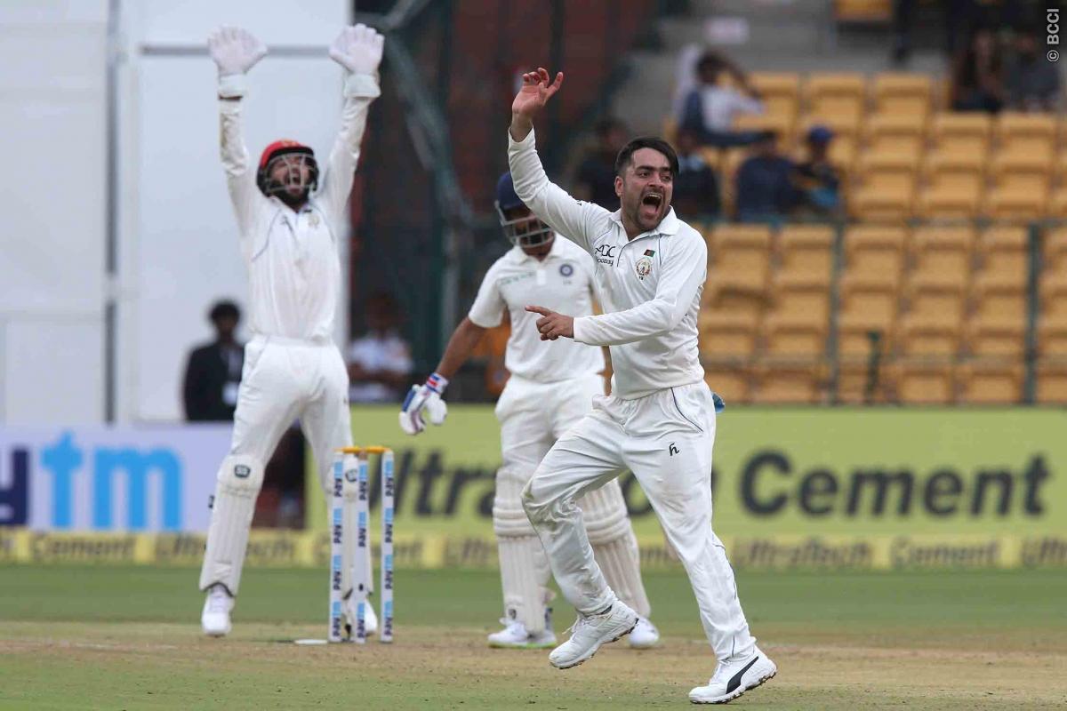 शेन वॉर्न और मुथैया मुरलीधरन नहीं बल्कि इस भारतीय गेंदबाज की गेंदबाजी है राशिद खान को पसंद 9