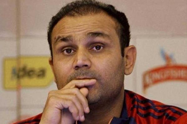 वीरेंद्र सहवाग के कड़े बोल इस दिग्गज खिलाड़ी को बाहर कर दिया जाए लोकेश राहुल को टीम में मौका
