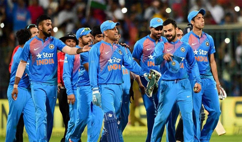 विश्व का एकलौता भारतीय बल्लेबाज जिसने अंतिम गेंद पर छक्का लगाकर टीम को दिलाई है सबसे ज्यादा जीत