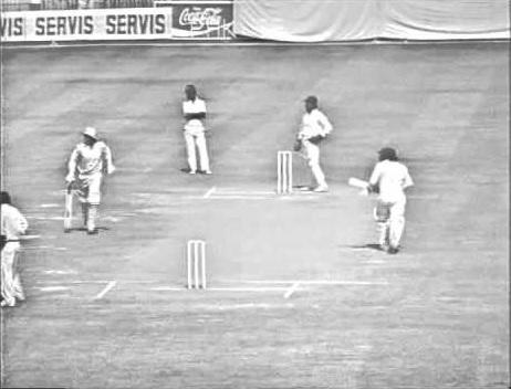 पांच ऐसे मौके जब अंपायर के फैसले के खिलाफ खिलाड़ियों ने खेलना से किया इनकार 5