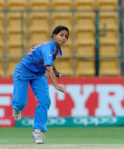 आईसीसी की महिलाओं की टी20 रैंकिंग में गेंदबाज पूनम यादव ने लगाई लंबी छलांग, जाने किसने जमाया है टॉप पर कब्जा 1