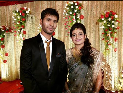 इस फ्लॉप क्रिकेटर की पत्नी खूबसूरती के मामले में अनुष्का व रितिका को भी देती है मात 8