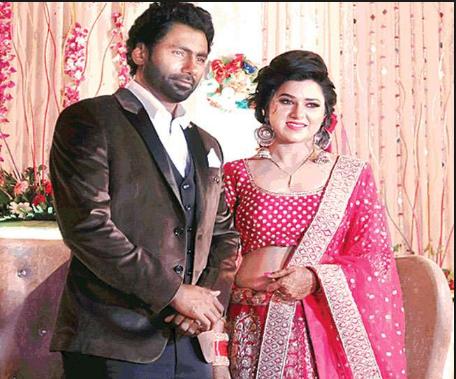 भारत का वो क्रिकेटर, जिसकों हुआ पुलिस इंस्पेक्टर लड़की से प्यार और रचा ली थी शादी 2