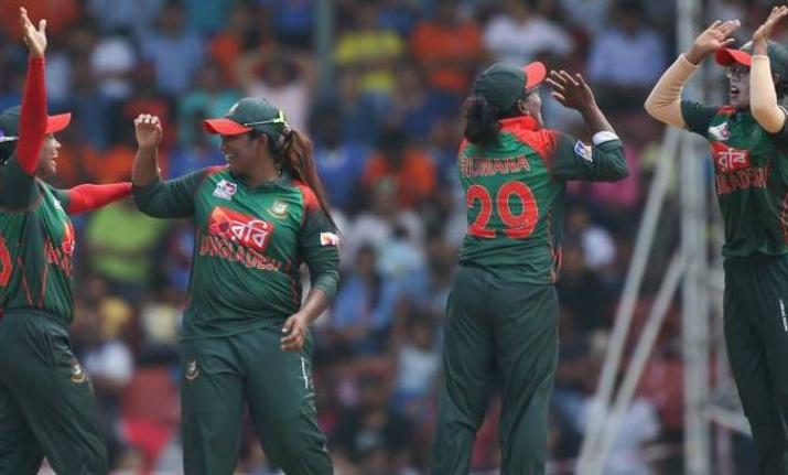बांग्लादेश से मिली एशिया कप की हार से उबरी भारतीय कप्तान हरमनप्रीत ने प्रसंशको से नम आँखों से कही ये बात 1