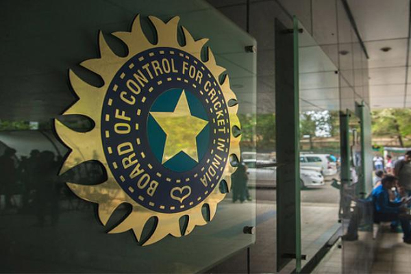 IPL कराने पर बीसीसीआई समेत कई लोगो पर लगा 121 करोड़ का जुर्माना, वजह है दिलचस्प 3