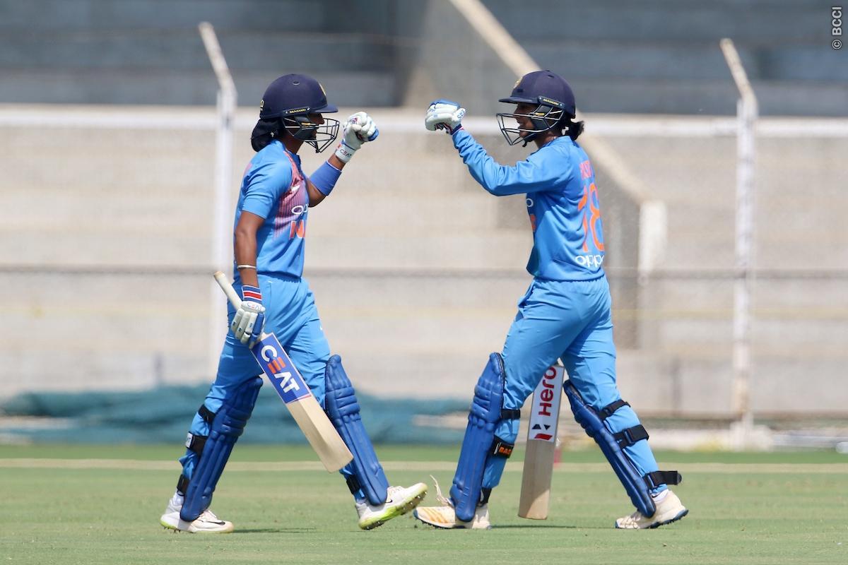 एशिया कप फाइनल में भारतीय टीम, पाकिस्तान को 7 विकेट से दी करारी शिकस्त