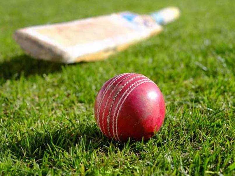 गोस्वामी गणेश दत्त क्रिकेट टूर्नामेंट का खिताब कोलाज स्पोटर्स के नाम