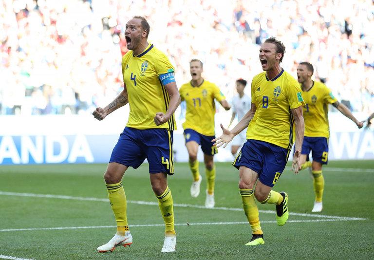 फीफा विश्व कप : कप्तान ग्रैंक्विस्ट के पेनाल्टी गोल से जीता स्वीडन 5