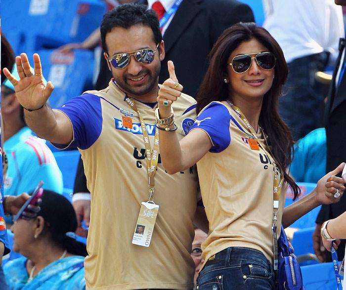 भारत में प्रदर्शन देख शिमरोन हेटमेयर पर ये 5 आईपीएल टीम लगा सकती हैं करोड़ो की बोली 3