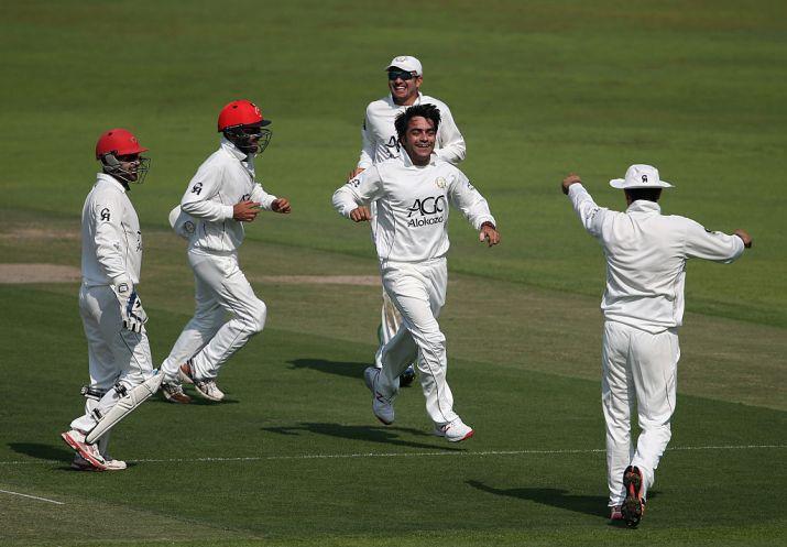 INDvAFG: दुनिया के सर्वश्रेष्ठ टी-20 गेंदबाज राशिद खान ने बनाया डेब्यू टेस्ट में ही शर्मनाक रिकॉर्ड 2