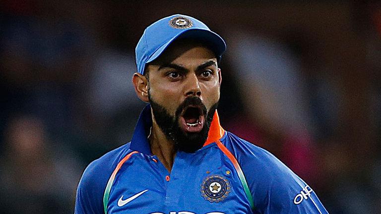 स्टार क्रिकेटर विराट कोहली किसी भारतीय को नहीं बल्कि इन्हें मानते है 'सबसे महान' 3