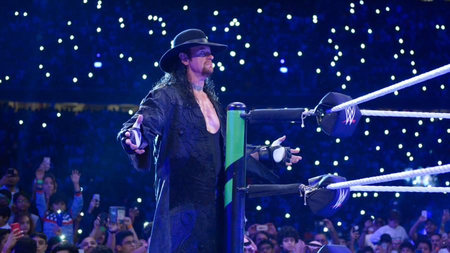केन और अंडरटेकर की WWE रिंग में वापसी के बाद ये लीजेंड भी कर रहा है WWE में वापसी 10
