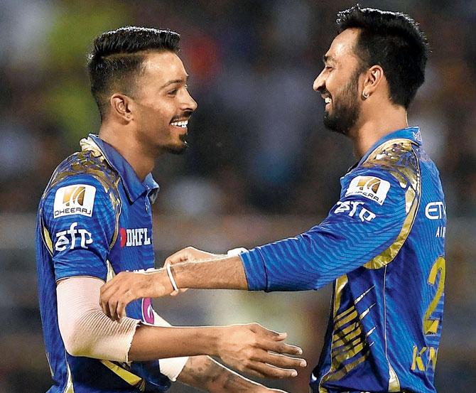 पूर्व भारतीय विकेटकीपर किरण मोरे ने बताया हार्दिक और कृणाल में से किसे मिलनी चाहिए पहले मैच में जगह 19