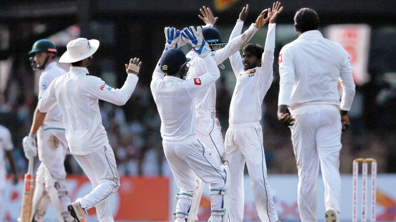 SRIvsENG : इंग्लैंड ने अपनी पहली पारी में बनाये 285 रन, देखे मैच का पूरा स्कोरकार्ड 3