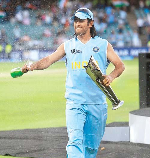 आखिर क्यों महेन्द्र सिंह धोनी को 2020 में होने वाले विश्व टी-20 तक नहीं लेना चाहिए संन्यास 3