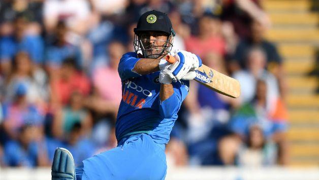 धोनी बने वनडे क्रिकेट में 10 हजार रन बनाने वाले 12वें बल्लेबाज, सबसे ज्यादा रन बनाने वालों टॉप-5 में भारत नहीं बल्कि इस देश के हैं 3 बल्लेबाज
