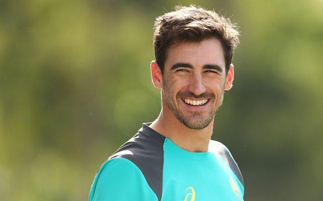ऑस्ट्रेलिया के तेज गेंदबाज मिचेल स्टार्क हुए चोटिल, टी-20 सीरीज के लिए इस खिलाड़ी को किया कवर्स के तौर पर शामिल 16