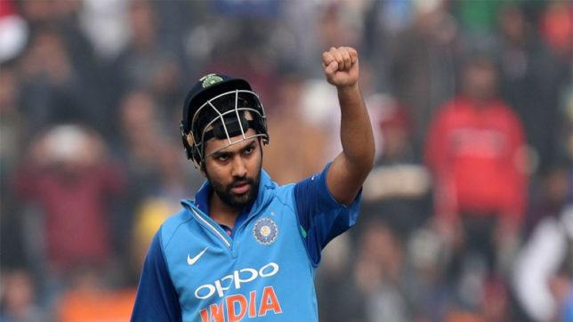 इंग्लैंड के खिलाफ टेस्ट टीम में जगह न मिलने पर निराश रोहित शर्मा ने दिया चयनकर्ताओ को करारा जवाब 3
