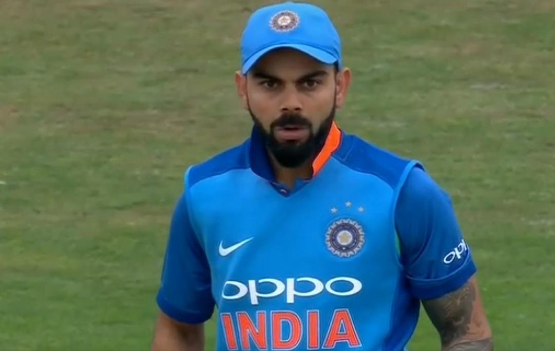 वीडियो : आदिल रशीद की स्पिन गेंद पर बोल्ड हुए विराट कोहली को नहीं हो रहा था यकीन 1