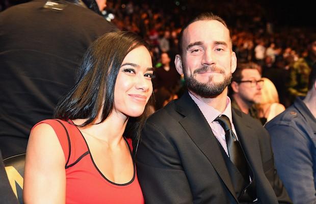 WWE के ऐसे सुपर-स्टार्स कपल जो असल ज़िन्दगी में है शादीशुदा 5