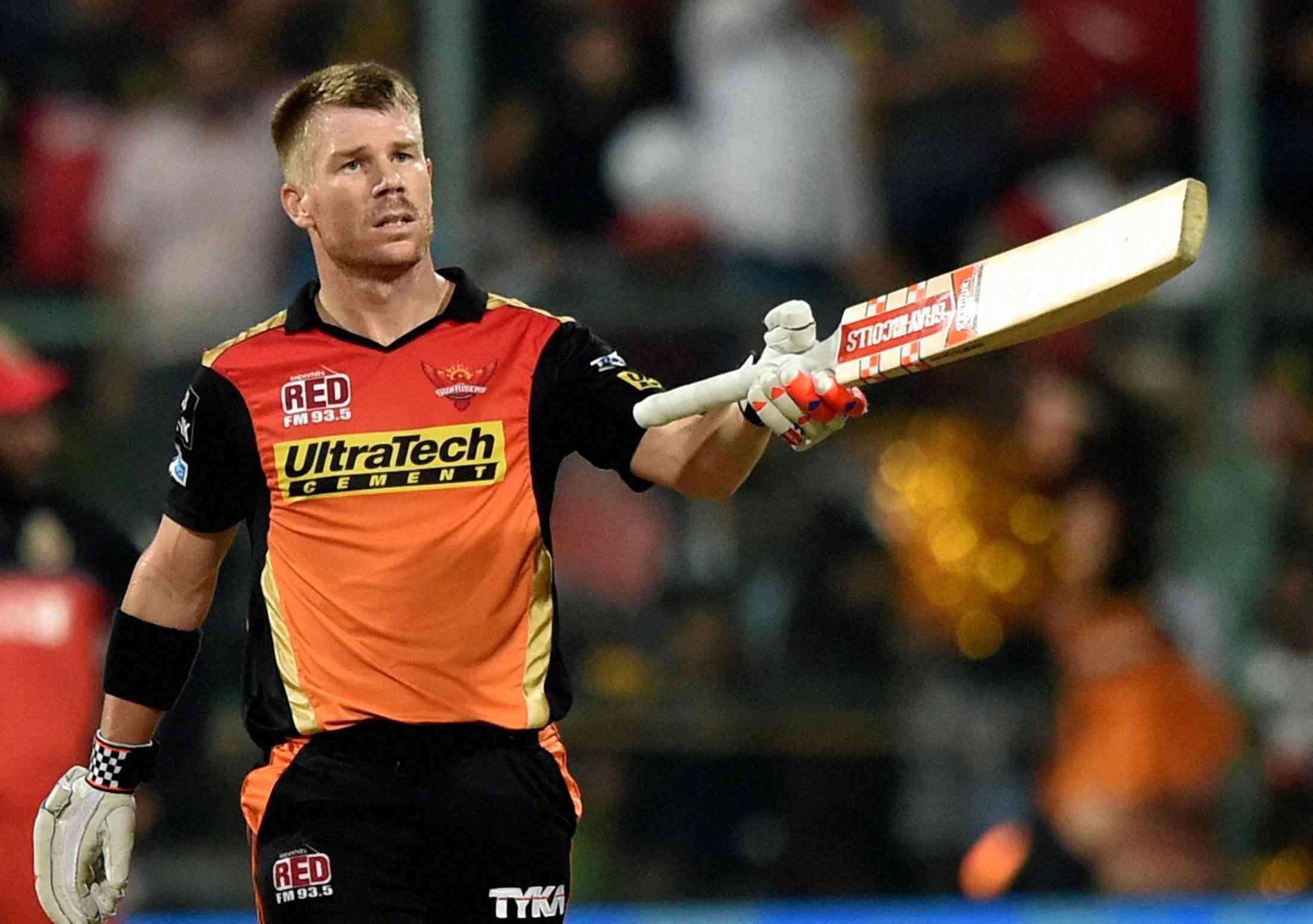ग्लोबल टी-20 लीग में अर्द्धशतकीय पारी खेलने के बाद भावुक हुए वार्नर ने हैदराबाद के लिए कही ये बात 24