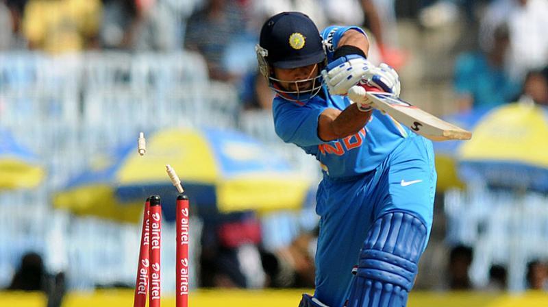 वीडियो : आदिल रशीद की स्पिन गेंद पर बोल्ड हुए विराट कोहली को नहीं हो रहा था यकीन