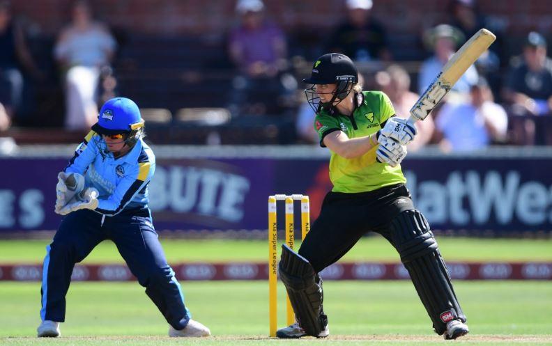इंग्लैंड में स्मृति मन्धाना की विस्फोटक बल्लेबाजी देख कप्तान हीथ नाइट हुई फैन