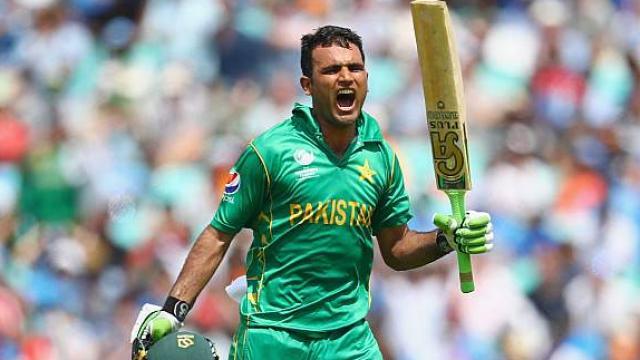 तस्वीरों में देखे पाकिस्तान के लिए दोहरा शतक बनाने वाले फखर जमान की नेवी सैनिक से क्रिकेटर बनने की कहानी 4