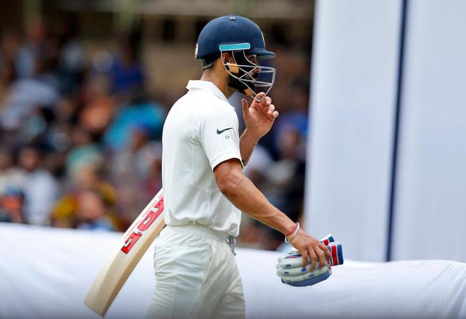 विश्व क्रिकेट के ये हैं वो चार गेंदबाज जिनके सामने रन मशीन विराट कोहली को भी लगता है डर 31