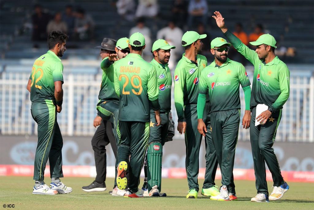 एशिया कप 2018 के लिए पाकिस्तान टीम की हुई घोषणा, दिग्गज खिलाड़ी को किया टीम में बाहर 16