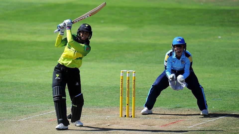 कीया सुपर लीग 2018: 41 चौके और 21 छक्के लगाने के बाद स्मृति मन्धाना ने खेली एक और तूफानी पारी, नॉकआउट में पहुंची टीम 25