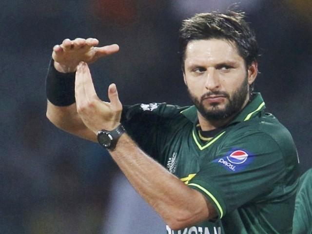 शाहिद अफरीदी ने बताया उस भारतीय बल्लेबाज का नाम जिसके सामने गेंदबाजी करने में छुट जाता था पसीना