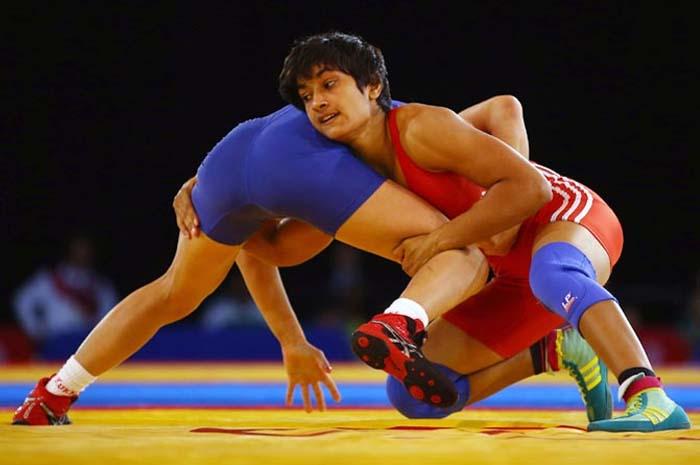 एशियाई खेल-2018: विनेश फोगाट ने भारत के लिए जीता स्वर्ण, कांस्य के लिए खेलेंगी करेंगी साक्षी और पूजा