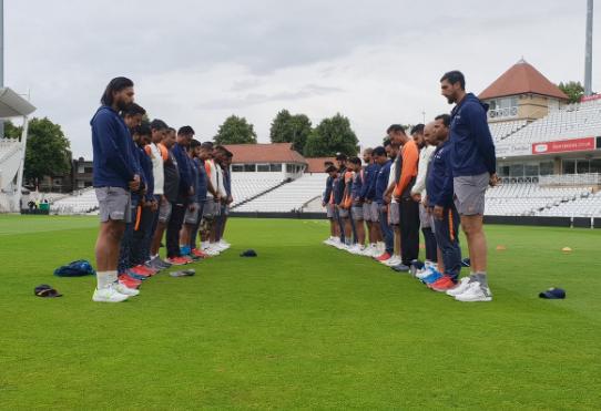 भारतीय क्रिकेट टीम ने 2 मिनट का मौन रखकर पूर्व कप्तान अजीत वाडेकर को दी श्रद्धांजलि 29