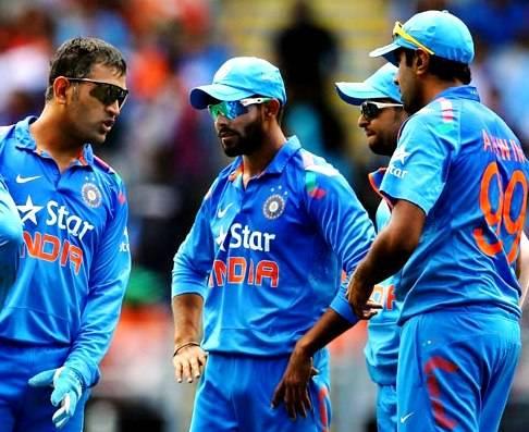 टीम इंडिया के इन दिग्गज खिलाड़ियों को अब सम्मान के साथ छोड़ देना चाहिए मैदान, पहला ही नाम सबका पसंदीदा