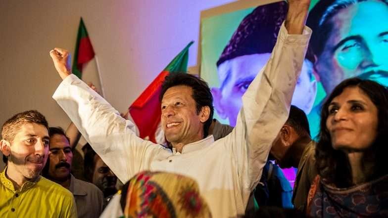 पाकिस्तान के प्रधानमंत्री के रूप में इमरान खान की ताजपोशी में इन भारतीय सेलिब्रिटीज को मिला न्योता