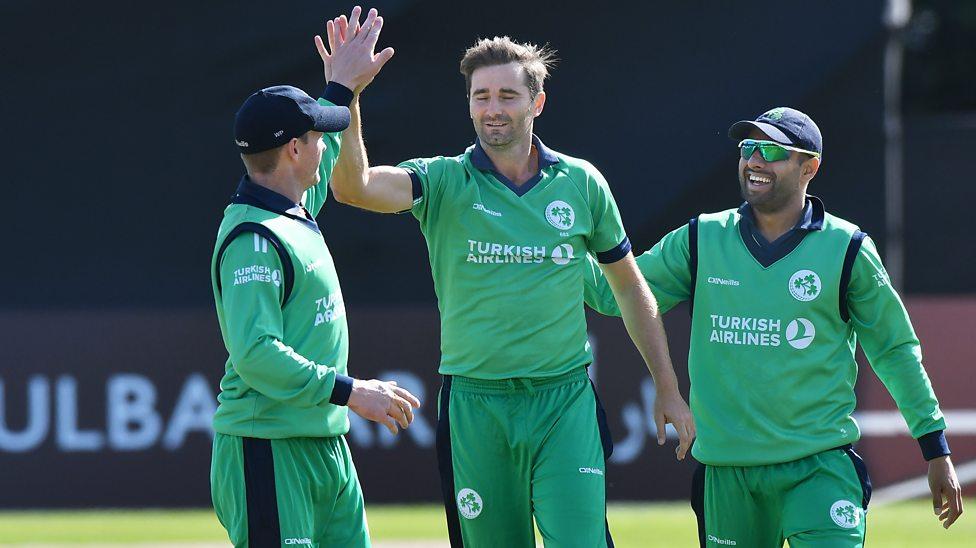 आयरलैंड ने अफगानिस्तान को तीन विकेट से हराया