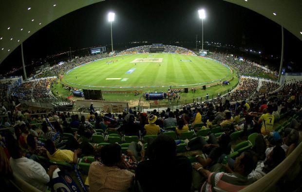 एशिया का एकमात्र भारतीय क्रिकेटर जिसने एक पारी में बनाये हैं 300 रन और लिया है 5 विकेट