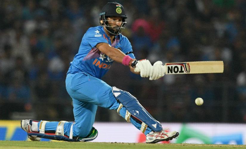 विजय हजारे में युवराज सिंह ने 6 चौके और 5 छक्के की मदद से खेली तूफानी पारी