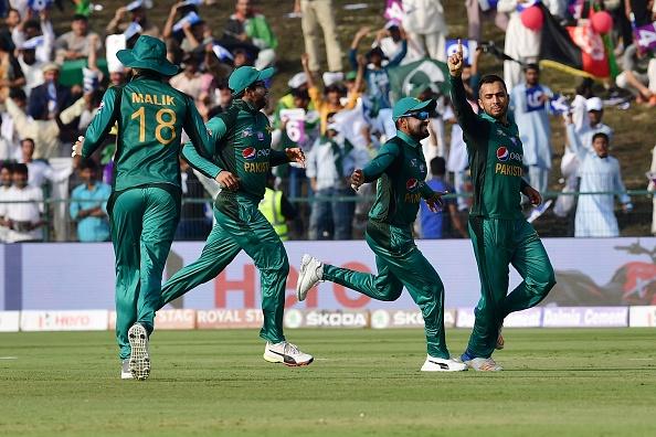 एशिया कप 2018- 48.3 ओवर में राशिद खान ने की ऐसी हरकत जिससे देख उनके फैंस को भी नहीं लगेगा अच्छा 2