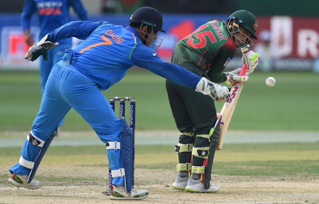 एशिया कप 2018- महेन्द्र सिंह धोनी ने एक बार फिर से किया साबित, किसी और में नहीं है उनसे ज्यादा क्रिकेटिंग सेंस 3