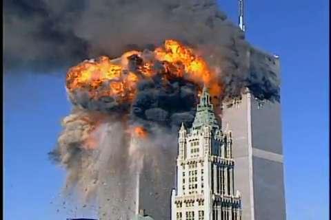 9/11 हमले को याद कर कैमरे के सामने रो पड़ी ये डीवा, ब्लास्ट में चली गयी थी पिता की जान 1