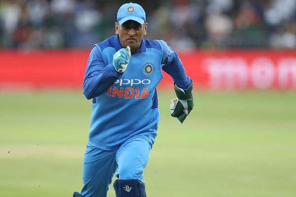 एशिया कप 2018- महेन्द्र सिंह धोनी ने एक बार फिर से किया साबित, किसी और में नहीं है उनसे ज्यादा क्रिकेटिंग सेंस 1