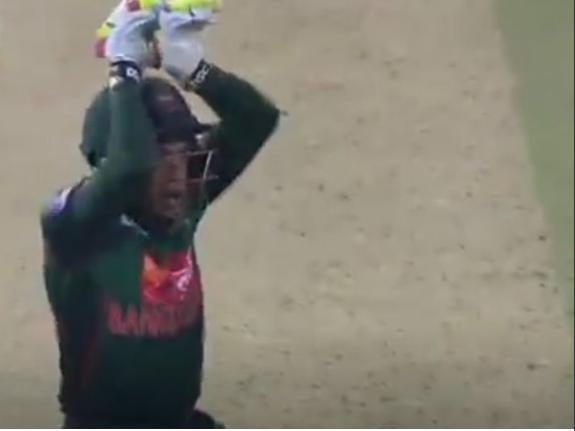 वीडियो : अफगानिस्तान के खिलाफ जीत के बाद मुशफिकुर रहीम ने किया ये फनी डांस, देख नहीं रुकेगी आपकी हंसी 1