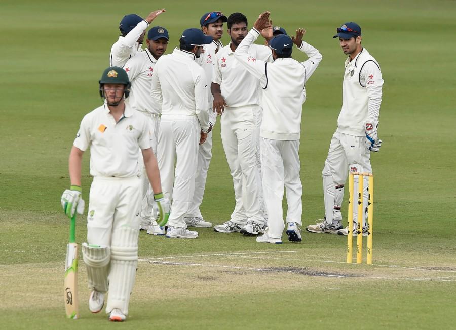 कुलदीप की गेंदबाजी और सलामी बल्लेबाजों की अच्छी शुरुआत ने बढ़ाई ऑस्ट्रेलिया की मुश्किलें, जीत की ओर अग्रसर भारत 1