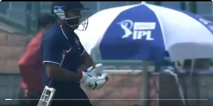 देवधर ट्रॉफी- अंकित बावने बल्लेबाजी करने जाते वक्त ही कर बैठे ये अपशगुन, बने गोल्डन डक का शिकार, देखे वीडियो 19