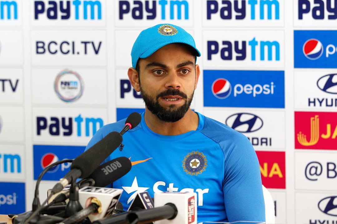 INDvsWI, दूसरा वनडे: विराट कोहली ने टाई मैच के बाद किया कुछ ऐसा जीता विंडीज फैंस का दिल